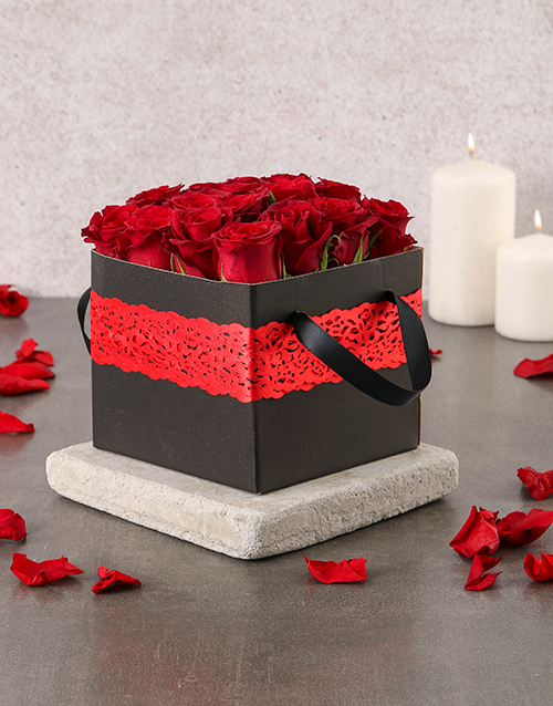 love-and-romance: Red Laced Rose Box!