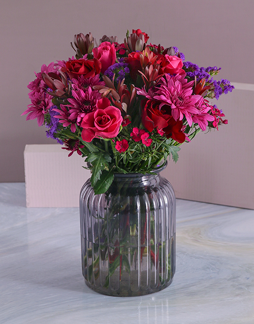 coloured-vases: Red and Cerise Blooms in a Vase!