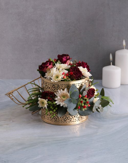 year-end: Radiant Florals In Golden Cage!