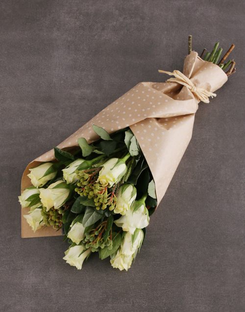 apology: Charming Cream Rose Bouquet!