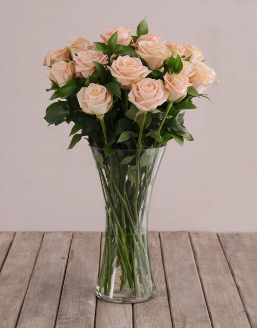 new-years: Flair of Peach with Roses in a Vase!