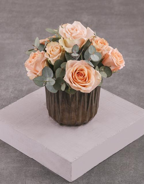 flowers: Peach Roses in Bronze Vase!