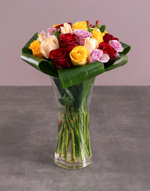 anniversary: Flair Vase of Mixed Roses !