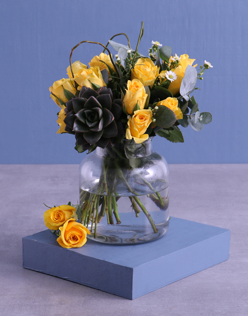 vase: Yellow Roses In Vase !