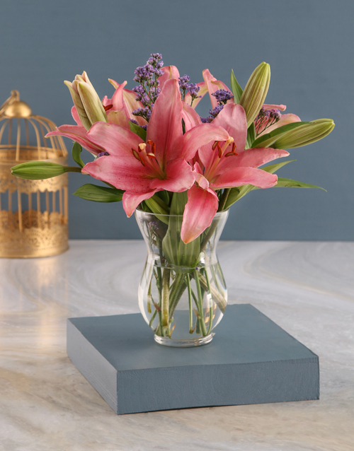 vase: Pretty Pink Lilies in a Hurricane!