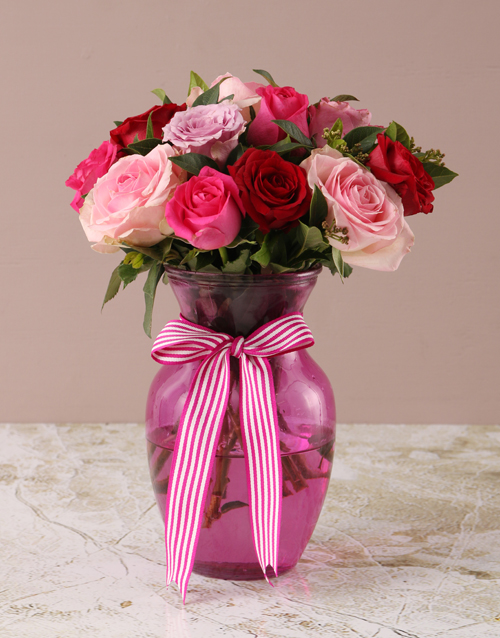 whats-new: Mixed Pink Roses in Pink Vase!