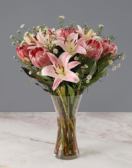 proteas: Mixed Proteas and Stargazer Lilies !