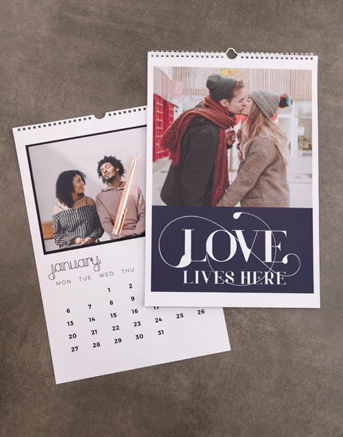 christmas: Personalised Love Lives Here Wall Calendar!