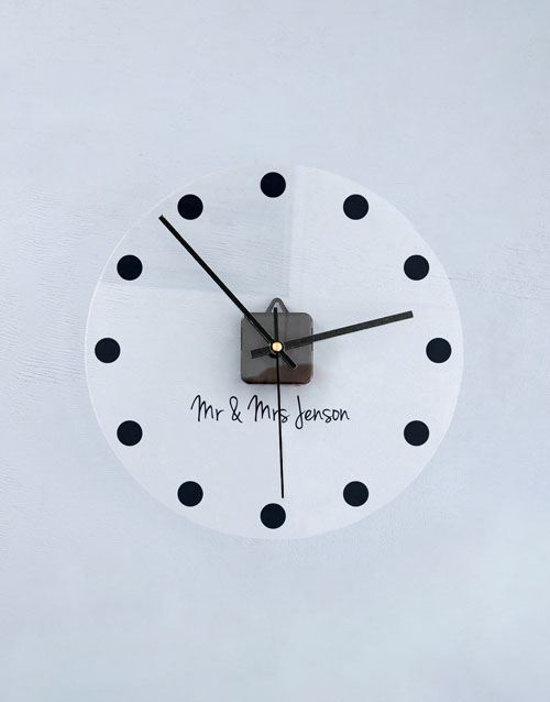 home-decor: Personalised Dotted Perspex Clock!