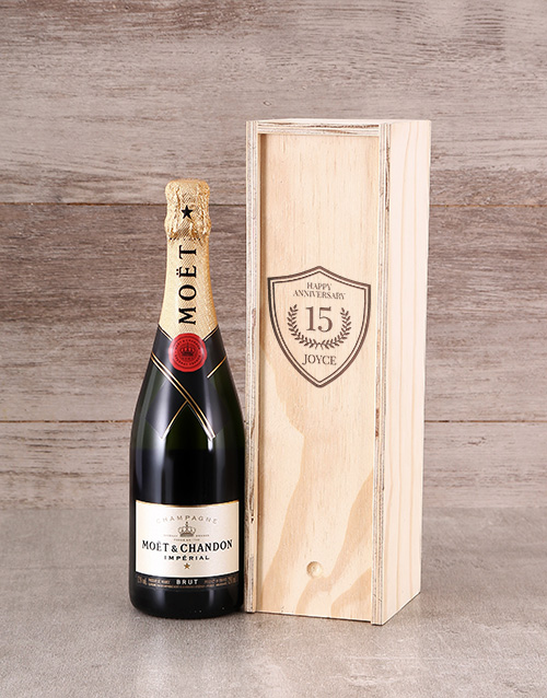 fine-alcohol: Personalised Anniversary Bubbly Crate!