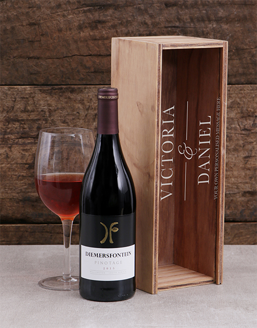 gifts: Personalised Couples Wine Crate!