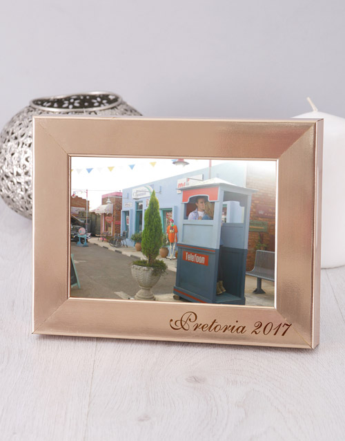 home-decor: Personalised Date and Place Photo Frame!