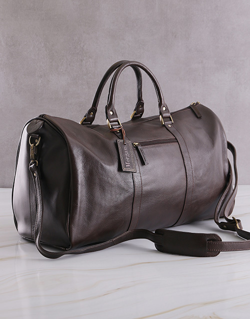 apparel: Personalised Leather Travel Bag!