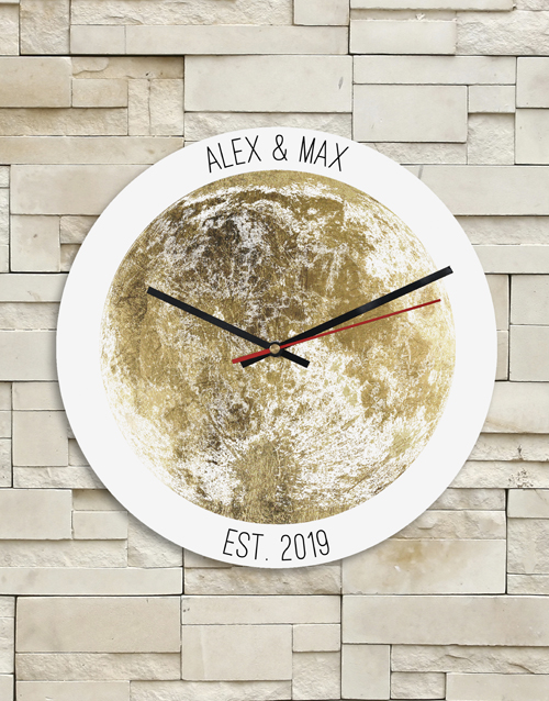 house-warming: Personalised Gold Couples Name and Date Clock!