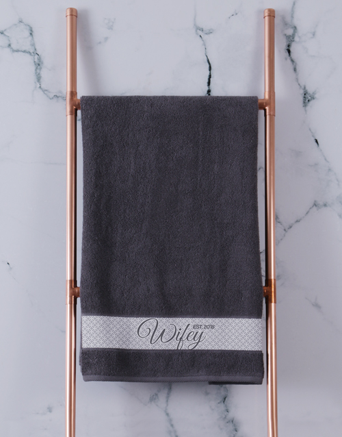 bath-and-body: Personalised Hubby and Wifey Charcoal Towel Set!