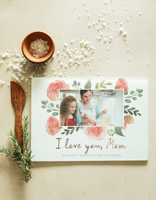 homeware: Personalised Love Mom Glass Chopping Board!