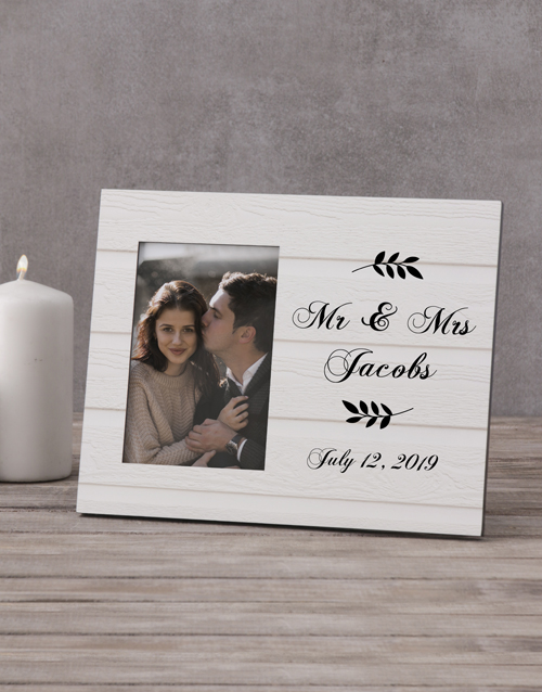 home-decor: Personalised Couples White Photo Frame!