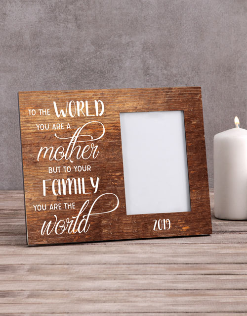 home-decor: Personalised To the World Photo Frame!