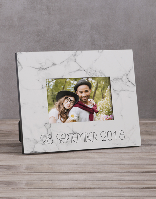 home-decor: Personalised Marble Date Photo Frame!