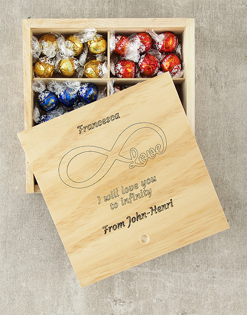 valentines-day: Personalised Infinity Love Lindt Box!