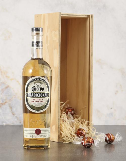 fine-alcohol: Jose Cuervo Tradicional Gift Hamper!