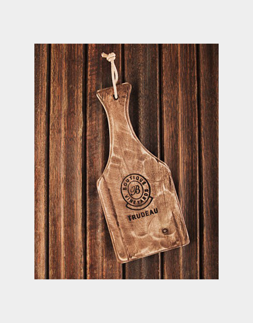 homeware: Trudeau Small Baguette Board with Handle!