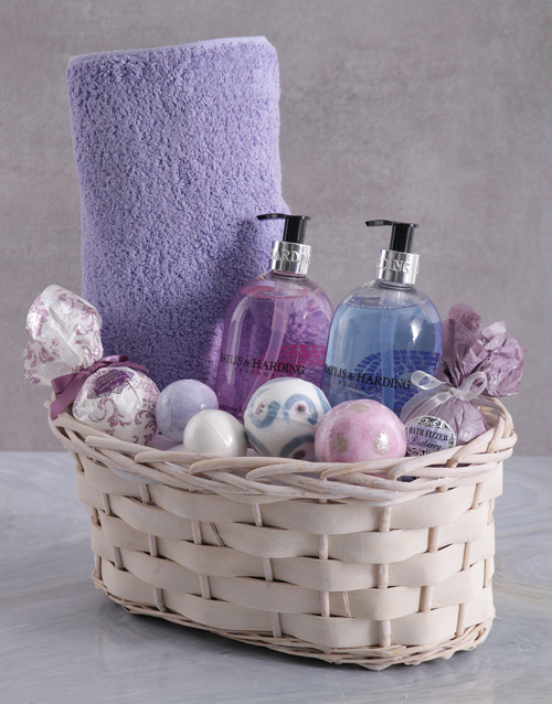 bath-and-body: Bathtime Baylis and Harding and Fizz Ball Basket!