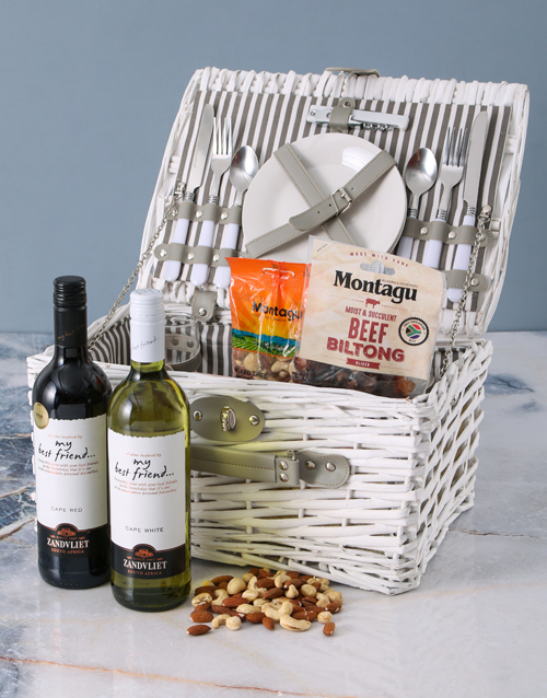 valentines-day: Best Friend Picnic Basket!