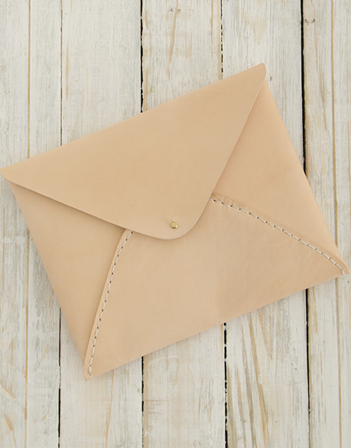 apparel: Ilundi Heirloom Oyster Envelope Clutch!