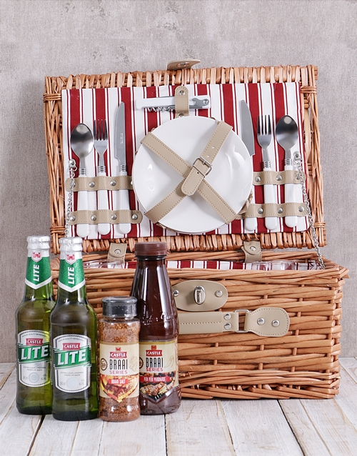 gourmet: Castle Lovers Picnic Basket!