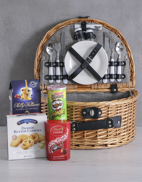 year-end: Snackers Riviera Picnic Basket!
