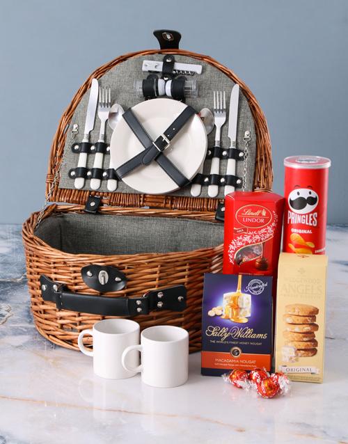 gourmet: Snackers Riviera Picnic Basket!