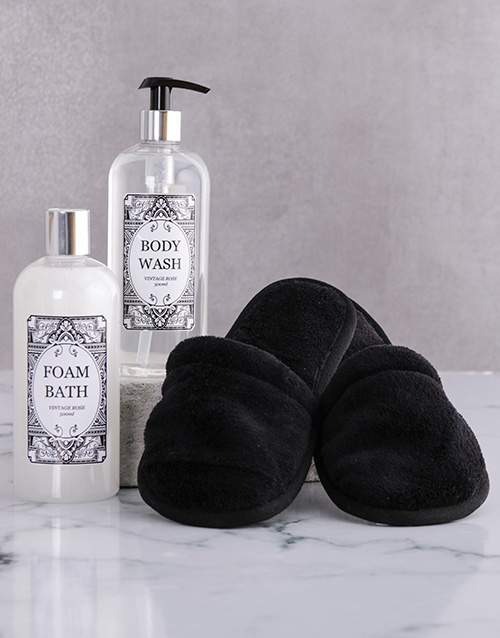 bath-and-body: Black Damask Slipper Set!