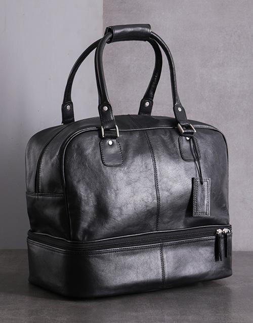 apparel: Black Leather Golf Bag!