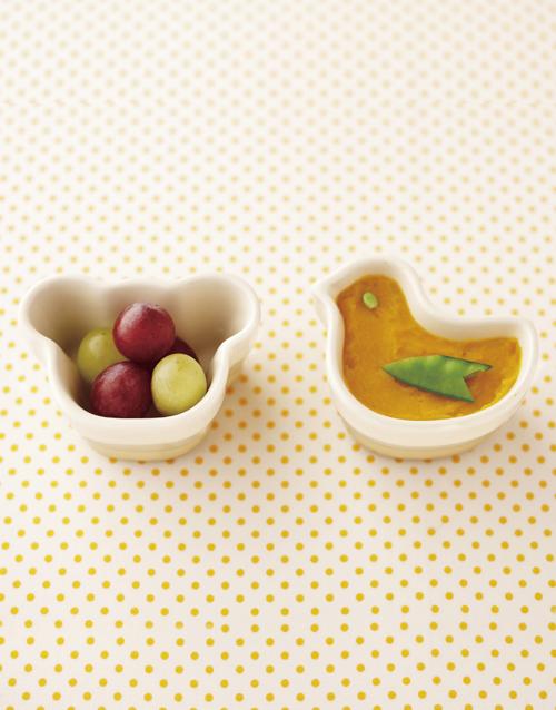baby: Le Creuset Yellow Baby Ramekins!