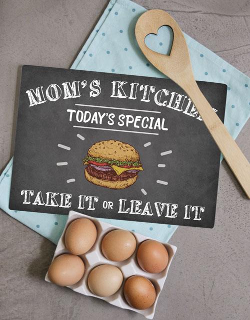 homeware: Kitchen Mom Glass Chopping Board!