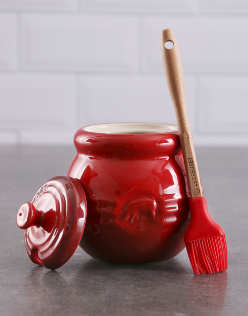 christmas: Le Creuset Barbeque Cherry Red Pot!