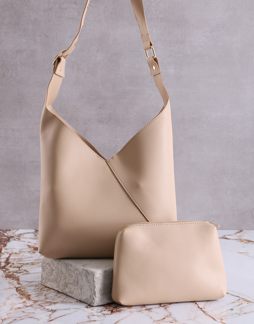 new-years: Savvy Tan Handbag With Pouch!