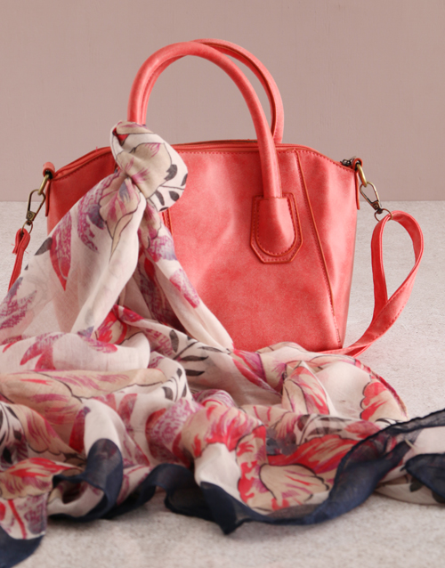 new-years: Refined Red Bag Elegance!
