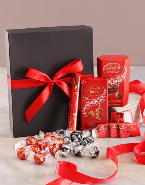 bosses-day: Ravishing Red And Black Chocolate Box!