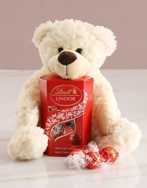 teddy-bears: Teddy Bear With Lindt Chocolate!