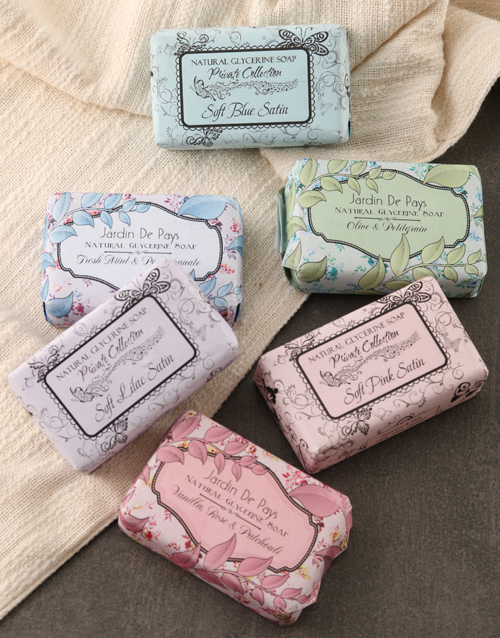 cyber-monday: Assorted Soaps!