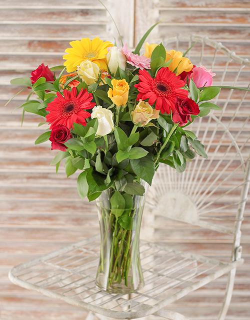 colour: Gerbera and Rose Vase!