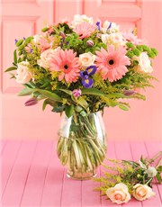 Picture of MYNETSP721 Pink Gerbera & Tulip Vase!