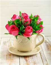 Picture of Cerise Roses in a Teacup!