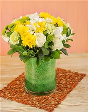 Picture of White and Yellow Vase !