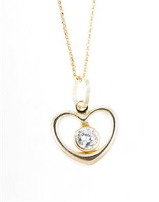 jewellery: 9ct Yellow Gold Tiffany Heart Necklace!