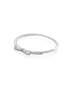 jewellery: Bow silver bangle with clear cubic zirconia!