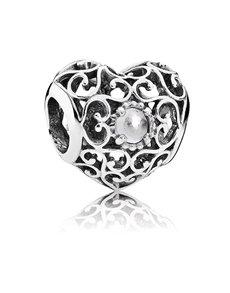 jewellery: Pandora April Silver Heart Charm!