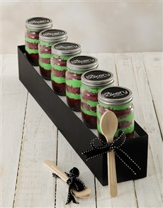 bakery: Red Velvet Christmas Cupcakes in a Jar!